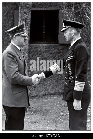 HITLER DOENITZ WW2 1940's Adolph Hitler shaking hands with Admiral Karl Donitz, Hitler's successor as Reichspräsident - Stock Photo