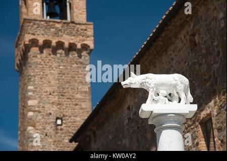 Gothic Palazzo dei Priori (Town Hall) in Historic Centre in Montalcino, Tuscany, Italy 2 August 2016 © Wojciech - Stock Photo