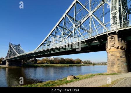 Dresden, Loschwitzer Brücke Blaues Wunder - Stock Photo