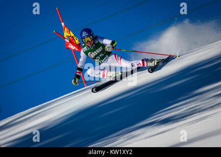 Lienz, Austria. 29th Dec, 2017. Bernadette Schild of Austria competes during the FIS World Cup Ladies Giant Slalom - Stock Photo