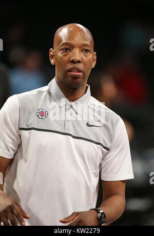 Los Angeles, CA, USA. 29th Dec, 2017. LA Clippers assistant coach Sam Cassell before the Los Angeles Clippers vs - Stock Photo