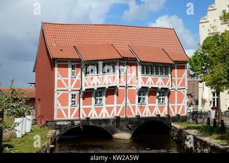 Wismar, half-timbered house Vault about historical round pit, Fachwerkhaus Gewölbe über  historischer Runde Grube - Stock Photo