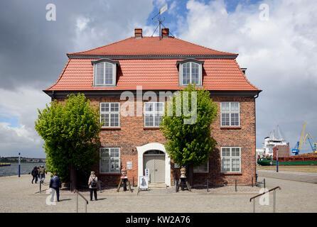 Wismar, tree-house in the old harbour, Baumhaus im Alten Hafen - Stock Photo