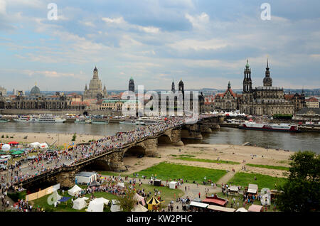 Augustsubruecke and Elbufer, centre in town party, Dresden town party, Augustsubruecke und Elbufer, Mittelpunkt - Stock Photo
