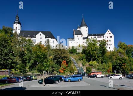The middle Erzgebirge, church Saint Georg and castle in black mountain, Mittleres Erzgebirge, Kirche St Georg und - Stock Photo