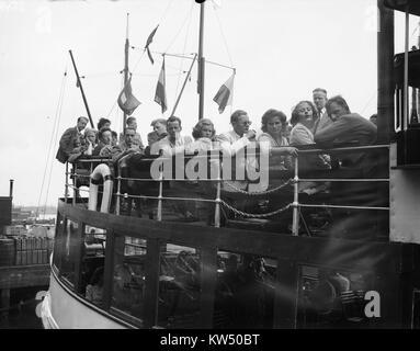 Boottocht Amsterdamse studenten (Lustrum), Bestanddeelnr 902 2468 - Stock Photo