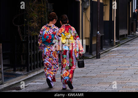 Japan, Honshu island, Kansai region, Kyoto, Gion, Geisha former area, young women in kimono
