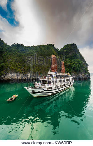 Aclass Cruises Stellar in Halong Bay, North Vietnam. The bay features 3,000  limestone and dolomite karsts and islets - Stock Photo