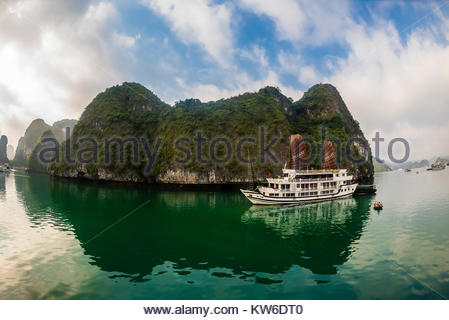 Aclass Cruises 'Stellar' cruising in Halong Bay, North Vietnam. The bay features 3,000  limestone and dolomite karsts - Stock Photo