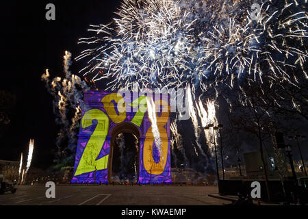 Paris, France. 1st Jan, 2018. Fireworks at midnight was shot from the top of the Arc de Triomphe on January 1, 2018 - Stock Photo