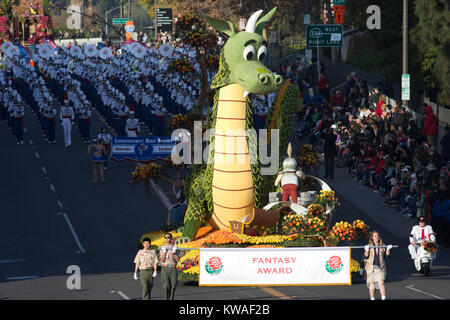 Pasadena, USA. 01st Jan, 2018. A float makes its way on Colorado Blv. during the 129th Tournament of the Roses in - Stock Photo