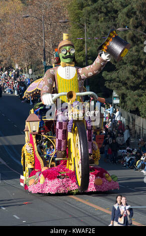 Pasadena, USA. 01st Jan, 2018. Showmanship float makes its way on Colorado Blv. during the 129th Tournament of the - Stock Photo