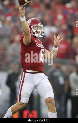 Pasadena, California, USA. 01st Jan, 2018. January 1, 2018: Oklahoma Sooners quarterback Baker Mayfield makes a - Stock Photo