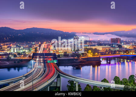 Charleston, West Virginia, USA skyline over the river. - Stock Photo