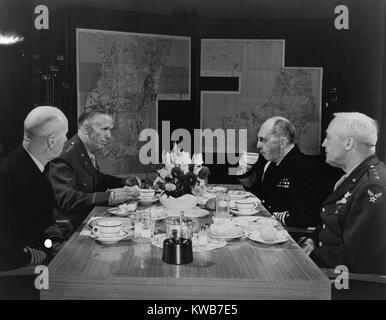 U.S. Military leaders in conference. L-R: Adm. Ernest King, Chief of Staff Gen. George Marshall, Adm. William Leahy, - Stock Photo