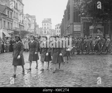 African American WACs, at a ceremony in honor of Joan of Arc in Paris, May 27, 1945. They were at the marketplace - Stock Photo