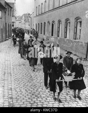German civilians of Neunburg bear the bodies of victims from killing site to town cemetery. April 29, 1945. 120 - Stock Photo
