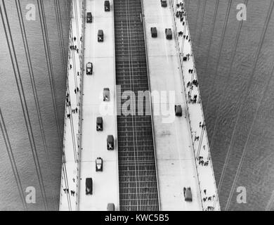 Aerial view of George Washington Bridge, New York City, in the 1930s. It open on October 24, 1931 and was the world's - Stock Photo