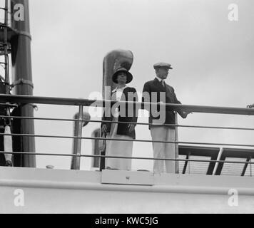 President Calvin Coolidge and First Lady Grace on the Presidential yacht, Mayflower. Sept. 8, 1923. Mayflower served - Stock Photo