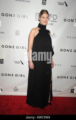 NEW YORK, NY - SEPTEMBER 26: Rosamund Pike attends the Opening Night Gala Presentation and World Premiere of 'Gone - Stock Photo