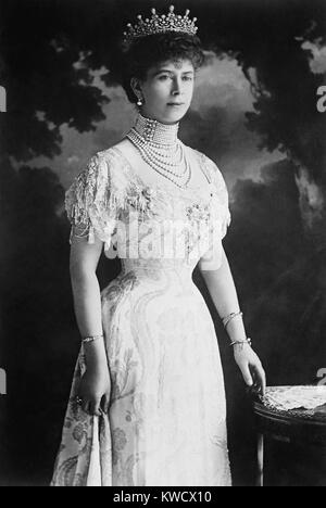 Queen Mary of Teck, consort of British King George VI in 1914, at age 37. She bears resemblance to her granddaughter, - Stock Photo