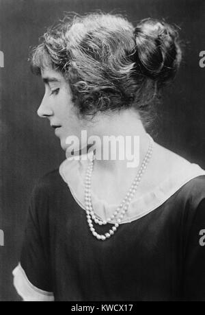 Elizabeth Bowes-Lyon in 1923 the year she married Prince Albert, Duke of York. He became King George VI in 1936 - Stock Photo