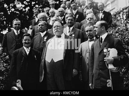 President William Howard Taft with the Republican Notification Committee at the White House, 1912. He won the nomination - Stock Photo