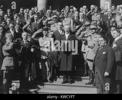 Ignacy Jan Paderewski, with Polish nationalists at New York City Hall, c. 1918. Paderewski recruited Polish Army - Stock Photo