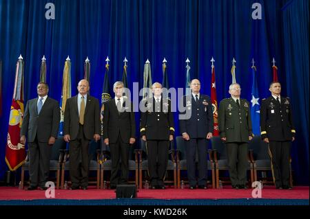 Group portrait of senior commanders attending the Defense Intelligence Agency change of directorship. Joint Base - Stock Photo