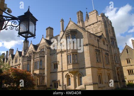 Oxford, United Kingdom - May 18, 2015: St. Swithun´s Buildings at Magdalen College - Stock Photo