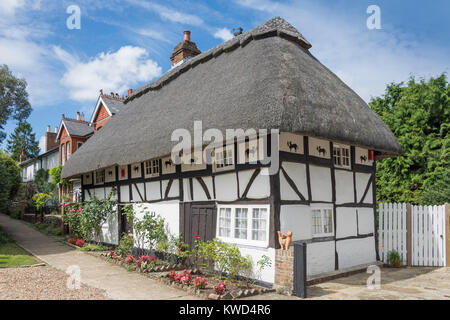 16th century timber-framed 'The Cat house', Church Terrace, Henfield, West Sussex, England, United Kingdom - Stock Photo