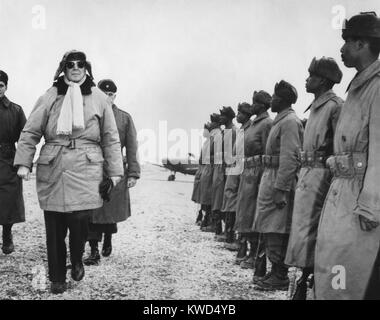 General Douglas MacArthur on an inspection tour of the South Korean Forces. Feb. 21, 1951. Korean War, 1950-53. - Stock Photo