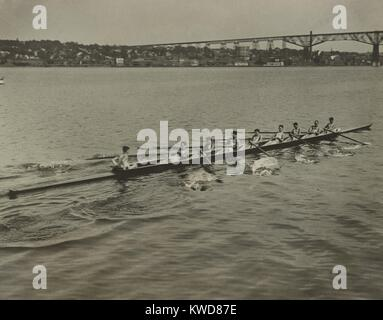 University of Pennsylvania varsity crew in the Hudson River at Poughkeepsie, June 20, 1922. They are training for - Stock Photo