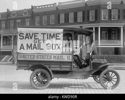 Mail Wagon in Washington, D.C. in 1916. On its side is a large sign encouraging citizens to get mailboxes, allowing - Stock Photo