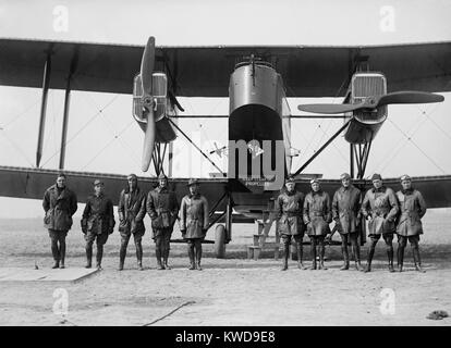 British Handley Page transport bi-plane at Bolling Field, ca. 1921. It was an early bomber used by Britain during - Stock Photo