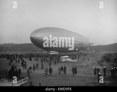 Commissioning of the 'USS Los Angeles' Bolling Field, Washington, D.C., Nov. 25, 1924. The experimental airship - Stock Photo