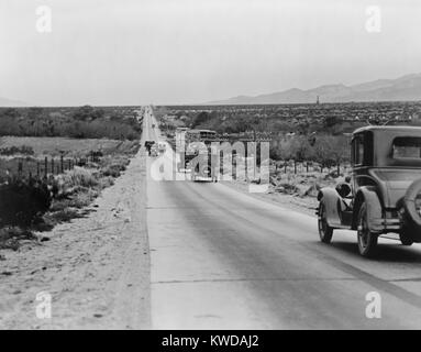 Highway leading towards Los Angeles across the Coachilla Desert, California, in the 1920s (BSLOC_2016_10_120) - Stock Photo