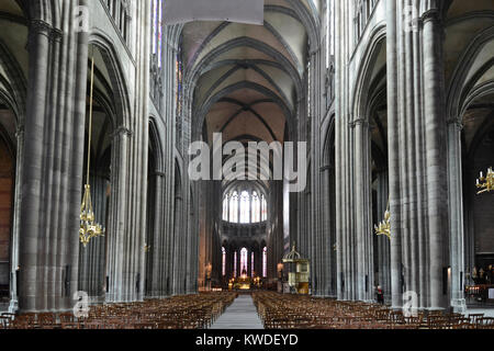 notre dame de l assomption church 13th century fanjeaux aude stock photo royalty free image. Black Bedroom Furniture Sets. Home Design Ideas