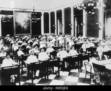 The popularly elected Philippines Assembly in its first session from 1908 to 1911. In 1916 the Philippine Senate - Stock Photo