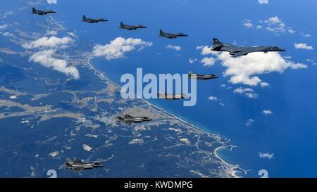 US B-1B Lancer flies with the South Korean Air Force over the Korean Peninsula, Sept. 18, 2017. The mission is in - Stock Photo