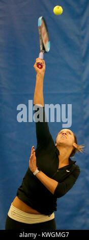 Moline, Iowa, USA. 16th Nov, 2017. Rock Island native Madison Keys, the 19th ranked tennis player in the world, - Stock Photo