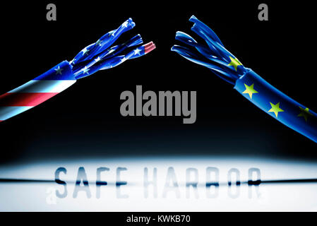 Cut Internet cable with flags of the USA and the EU, data protection agreement safe Harbor invalid, Durchgeschnittenes - Stock Photo