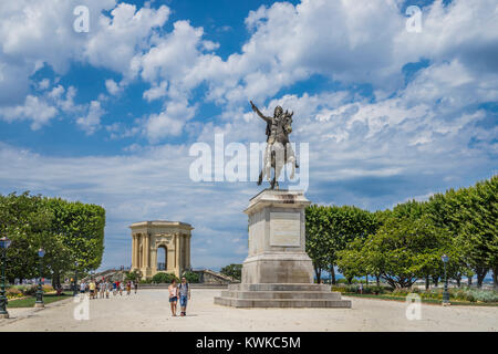 France, Hérault department, Montpellier, esplanade du Peyrou with the equstrian statue of Lois XIV and the monumental - Stock Photo