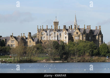 Brownlow House and Lurgan Park Lake in County Armagh Northern Ireland. - Stock Photo