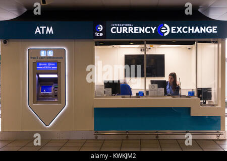 bureau de change international currency exchange retail booth atm stock photo 87899905 alamy