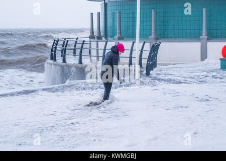 Aberystwyth Wales UK, Wednesday 04 January 2018 UK Weather : On the day after Storm Eleanor swept a trail of damage - Stock Photo