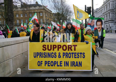 London, UK. 4th January, 2018. People's Mojahedin Organization Of Iran hosts a protest against the President of - Stock Photo