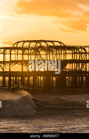 Brighton, England, Uk. 04th Jan, 2018. Brighton, East Sussex. 4th January 2018. UK weather. Strong winds and cold - Stock Photo