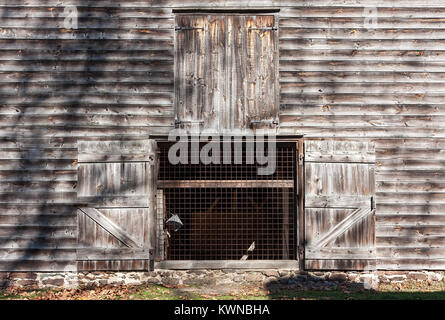 An old barn in Allaire Village, New Jersey. Allaire village was a bog iron industry town in New Jersey during the - Stock Photo