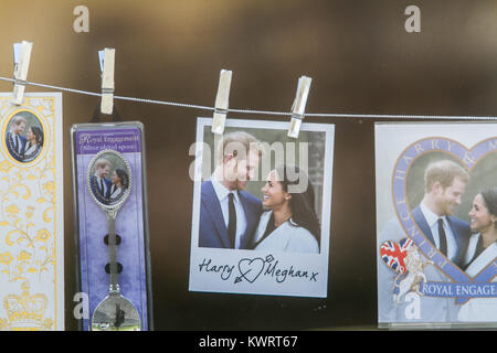 Windsor Berkshire, UK. 5th Jan, 2017. Pictures of Prince Harry and his fiancee Meghan Markle are sold by souvenir - Stock Photo